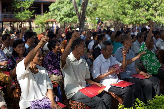 Khmer Krom community members respond to a question at a forum on whether they'd like to see Krom issues represented at the Tribunal (June 2010). Photo by Rothany Srun.
